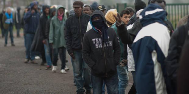 Harcèlement, passage à tabac... Human Rights Watch dénonce des violences policières contre des migrants - La Libre