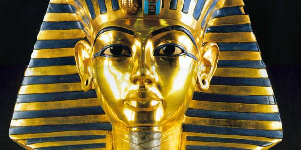 Le masque en or de Toutânkhamon défiguré avec de la colle - La Libre