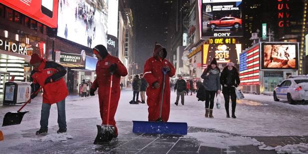 Des millions d'Américains calfeutrés chez eux en raison d'une violente tempête de neige - La Libre