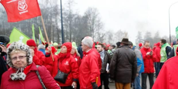 Concertation sociale : la FGTB Centre dépose un préavis de grève et d'action - La Libre