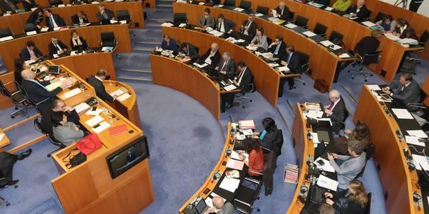 La lutte contre le radicalisme en débat au parlement bruxellois - La Libre