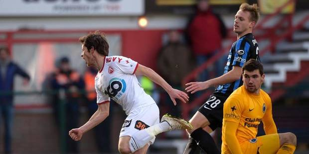 Courtrai mate le Club de Bruges et remonte à la 2e place (2-0) - La Libre