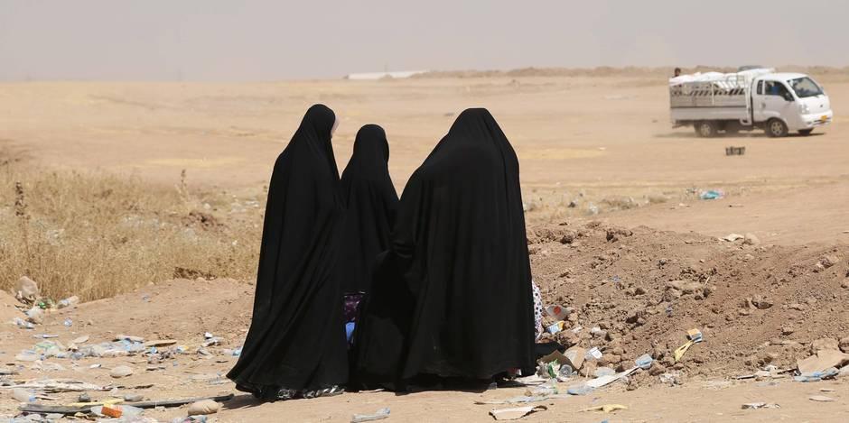 Coups et voile intégral : des femmes sous l'emprise de l'Etat islamique témoignent
