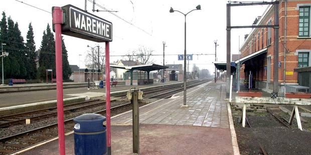 170 navetteurs manifestent contre le nouveau plan de transport de la SNCB - La Libre
