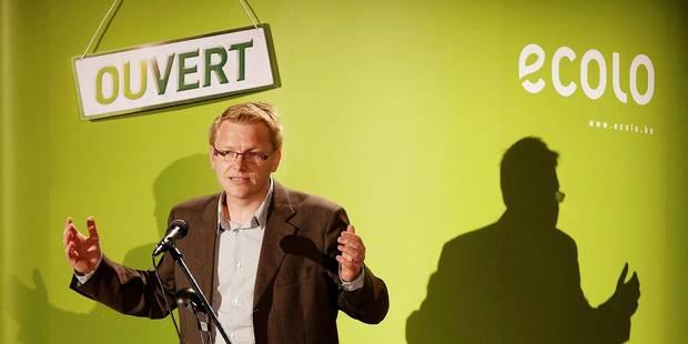 Ecolo dénonce l'absence louche de commissions de déontologie politique - La Libre