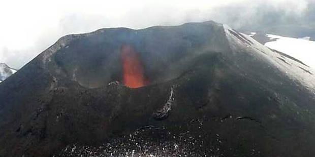 Chili: le volcan Villarrica entre en éruption, 3.000 personnes évacuées - La Libre