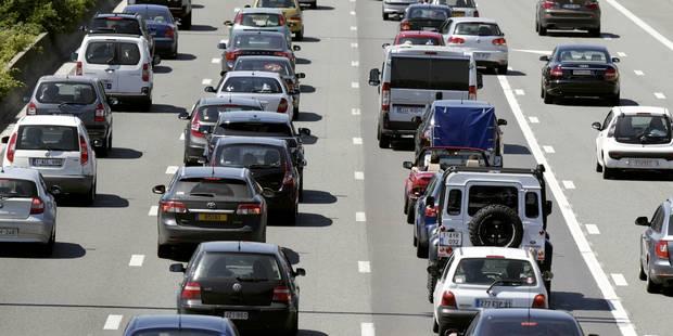 Le trafic rétabli sur la E40 en direction de la Côte après deux accidents - La Libre
