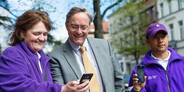 Etterbeek: des agents communaux armés de smartphones - La Libre