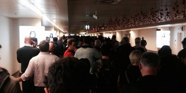 Grève du zèle à moitié suspendue à Brussels Airport : des émeutes auraient éclaté - La Libre