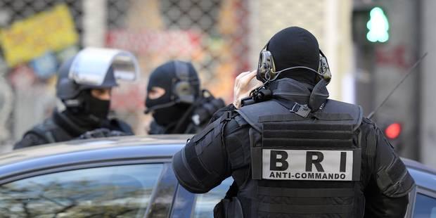 France : des documents liés à Al-Qaïda et l'EI trouvés chez l'islamiste radical qui projetait des attentats - La Libre