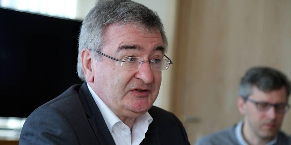 Le ministre Collin dévoile son plan hockey - La Libre