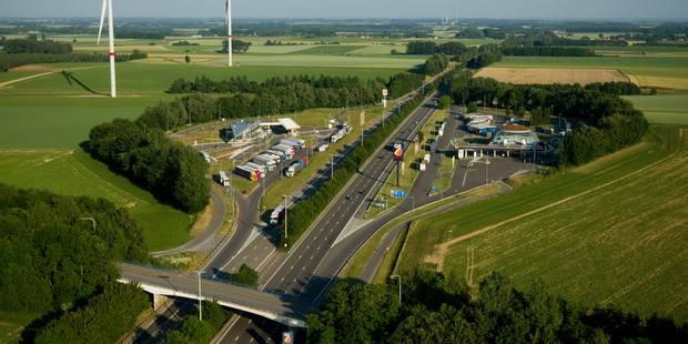 Gros embouteillages sur la E411 pour le retour de long week-end - La Libre