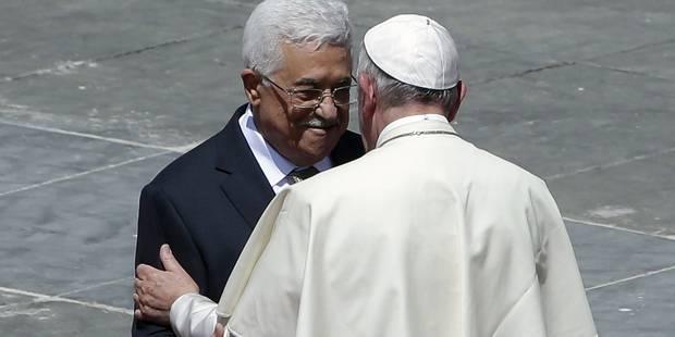 """Abbas """"ange de la paix"""": le pape contraint de se justifier - La Libre"""