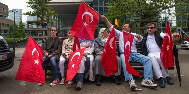 Génocide arménien: un millier de Belgo-Turcs ont manifesté à Bruxelles - La Libre