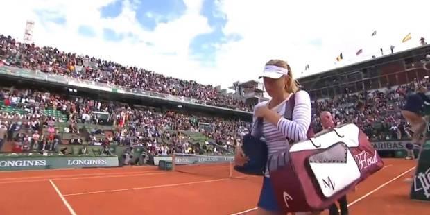 Roland Garros: malade, Maria Sharapova se fait siffler par le public - La Libre