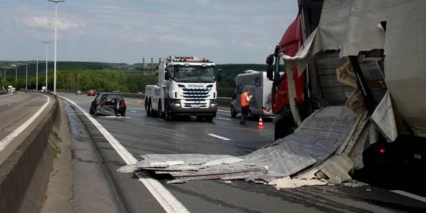 Gros soucis sur la E411 à cause de plusieurs accidents impliquant des camions (PHOTOS) - La Libre