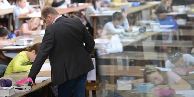 """""""Cette situation plus qu'humiliante nous ridiculise face aux élèves et aux parents"""" - La Libre"""