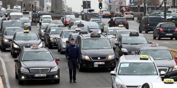 """Les taxis bruxellois lancent """"un ultime appel au bon sens"""" à Charles Michel - La Libre"""