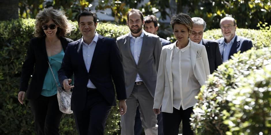 Grèce: les nouveaux ministres sont en place, la course d'obstacles financière continue