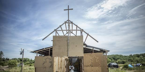La BBC tourne une émission religieuse dans un camp de migrants à Calais: polémique en Grande-Bretagne - La Libre