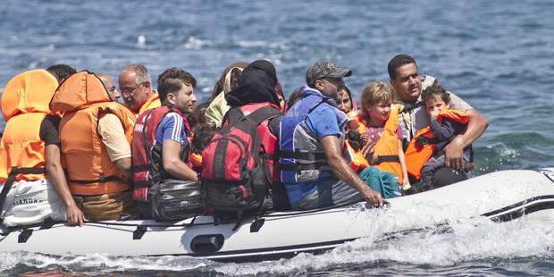 3.000 migrants à la dérive sur 18 bateaux, opération de secours en cours - La Libre