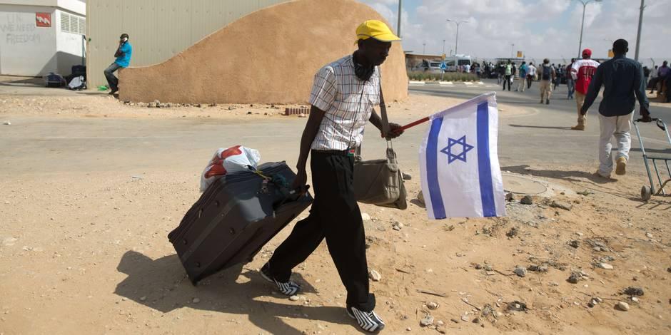 Israël libère des centaines d'immigrés dans le désert