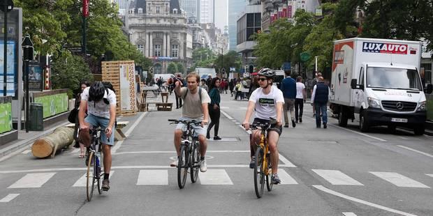 A plus de 6 km/h à vélo dans le Piétonnier ? Des sanctions à la clé ! - La Libre
