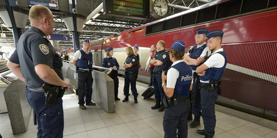 """Vrais-faux héros du Thalys: le frère de Tariq Ramadan dénonce une """"mise en scène"""""""