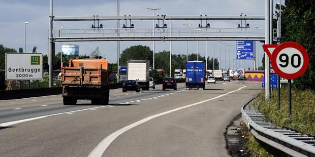 14 réfugiés syriens retrouvés vivants dans un camion sur la E17 à Gentbrugge - La Libre