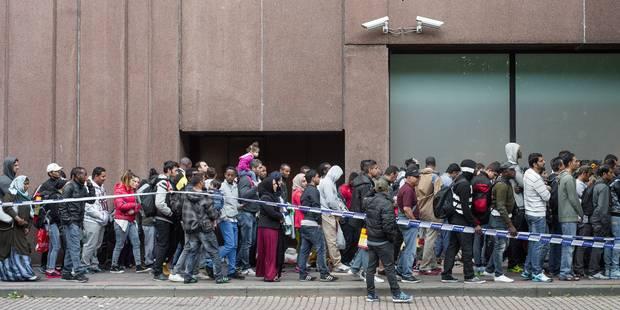Bruxelles presse Charles Michel d'agir face à la situation à l'Office des Etrangers - La Libre