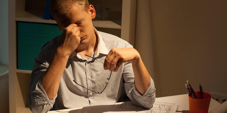 Veiller tard le soir peut avoir de graves conséquences sur la santé, même si on rattrape le sommeil perdu le lendemain, à en croire les résultats d'une étude.