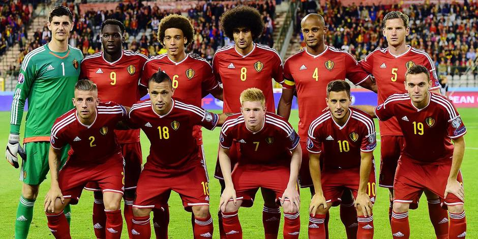 (LtoR, back row) Belgium's players goalkeeper Thibaut Courtois, Romelu Lukaku, Axel Witsel, Marouane Fellaini, captain Vincent Kompany, Jan Vertonghen and (front row) Toby Alderweireld, Radja Nainggolan, Kevin De Bruyne, Eden Hazard and Thomas Vermaelen pose for the team picture at the start of a Euro 2016 qualification football match between Belgian national soccer team Red Devils and Bosnia and Herzegovina, on September 3, 2015, in Brussels King Baudouin stadium. AFP PHOTO / EMMANUEL DUNAND