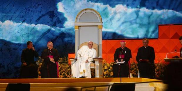 Le Pape séduit Philadelphie en défendant la famille avec humour (PHOTOS) - La Libre