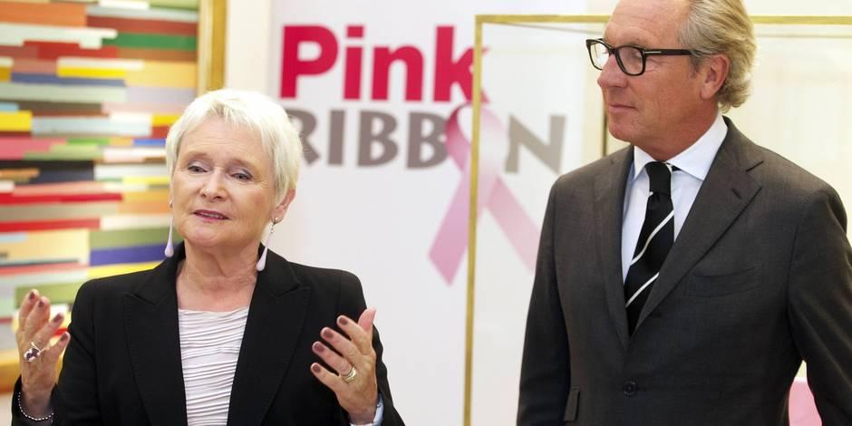 """""""On annonce quotidiennement à 29 femmes qu'elles ont un cancer. On n'est jamais préparée à ça. Mais nous sommes là"""""""