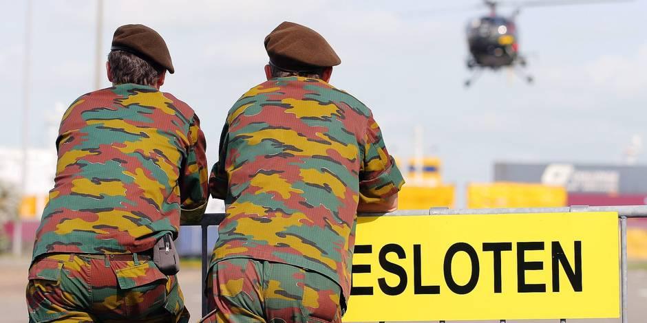 Zeebruge: deuxieme jour de l'exercice militaire Quick Response, qui se déroule à travers toute la Belgique du 18 au 28 septembre et mobilise plus de 9.000 militaires belges et étrangers (allemands, autrichiens, français, luxembourgeois et Néerlandais) - avec toutes les composantes Air, Terre, Marine et médicale de l'armée belge.