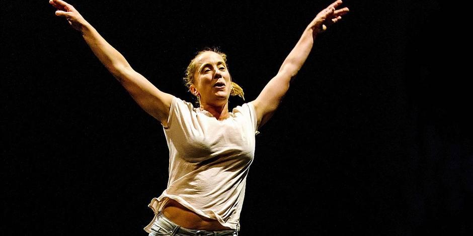 """""""Les Chatouilles"""": une danse de la colère glaçante, vivante, étonnamment drôle (VIDEOS)"""