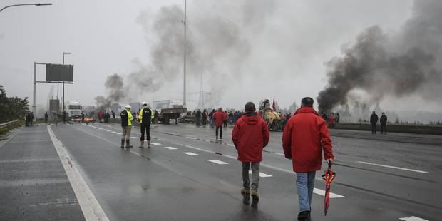 """Décès lors de la grève : """"Le syndicaliste qui a bloqué le chirurgien risque d'aller en correctionnelle"""" - La Libre"""
