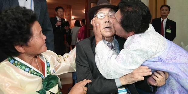 """""""Papa, s'il te plaît, vis jusqu'à tes 130 ans"""": Les adieux déchirants de familles coréennes après de rarissimes retrouva..."""