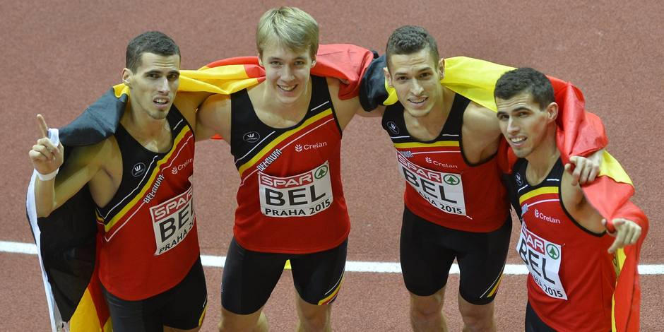L'équipe du relais 4x400 m lauréate du Mérite Sportif