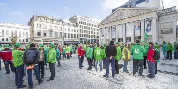 Grève bpost: Des piquets encore présents aux trois centres de tri - La Libre
