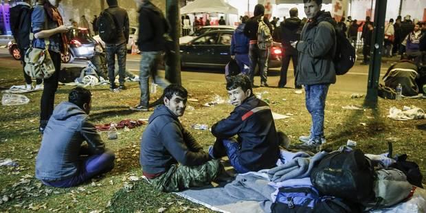 Demandes d'asile: la plateforme de soutien craint un campement sauvage à Bruxelles - La Libre