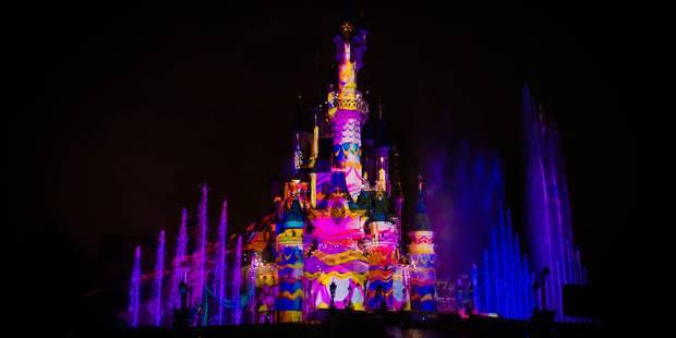 Euro Disney réduit un peu ses pertes annuelles et voit sa fréquentation repartir - La Libre