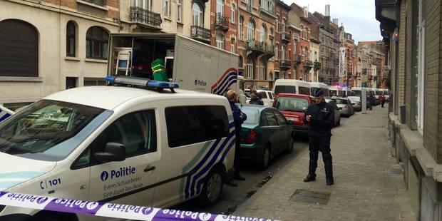 Plus de 200 policiers évacuent un squat à Schaerbeek - La Libre