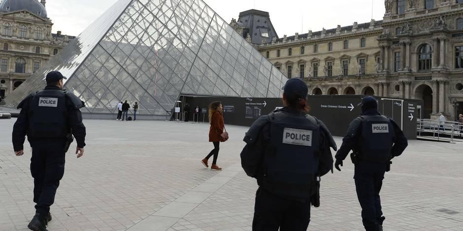 """Qui sont les kamikazes des attentats de Paris? """"Pas plus de 25 ans, des cheveux bruns"""""""