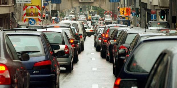 La pluie provoque des embarras de circulation autour de Bruxelles - La Libre