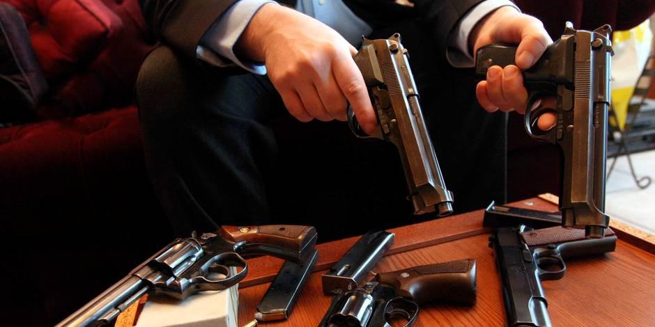 Faut-il retirer de la vente les armes factices? - La Libre