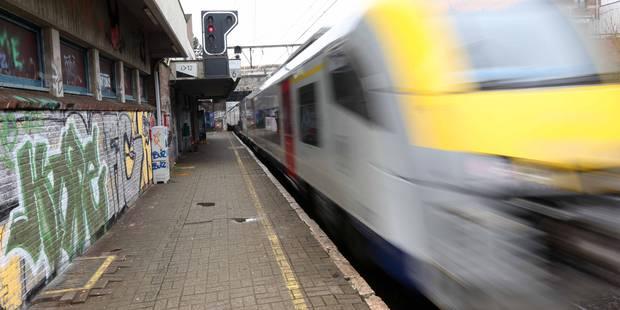 Grève du rail: des cheminots proposent de conduire les étudiants à leurs examens - La Libre
