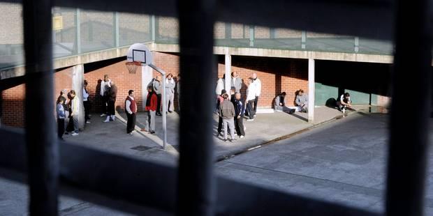 Les gardiens de prison débutent leur grève dans les 34 prisons du pays - La Libre