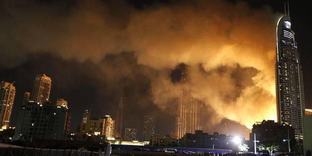 Dubaï: énorme incendie dans un hôtel mais les festivités maintenues (VIDEO) - La Libre