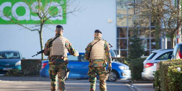 Près de 9000 soldats ont patrouillé dans les villes belges en 2015 - La Libre